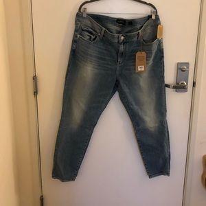 LUCKY Brand Mid-Rise Skinny Leg Light Wash Jeans